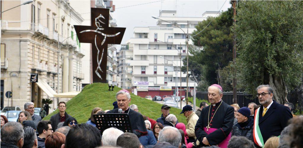 monumento don tonino papa francesco