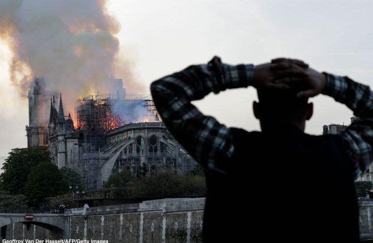 Incendio a Notre Dame