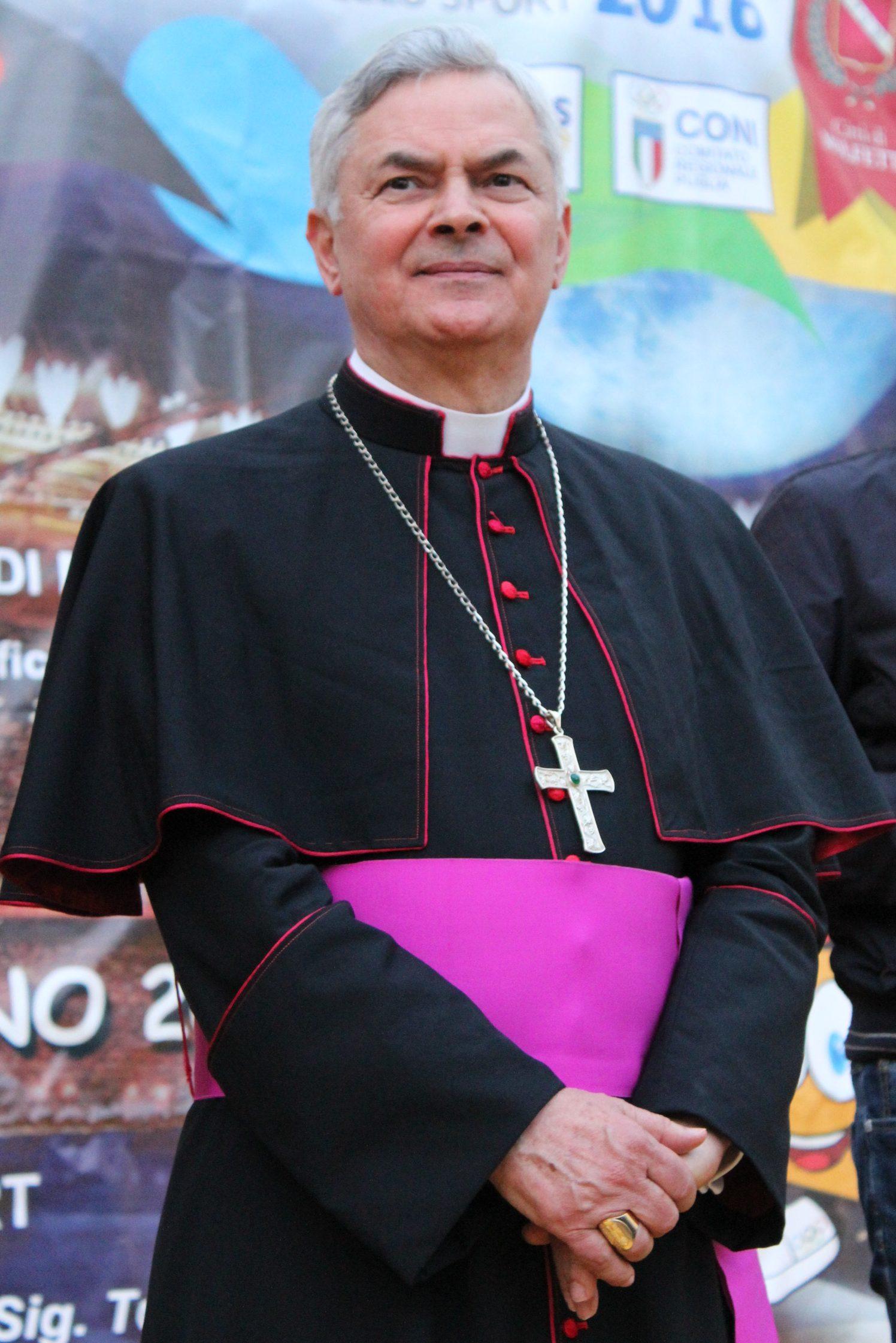 vescovo-domenico-cornacchia