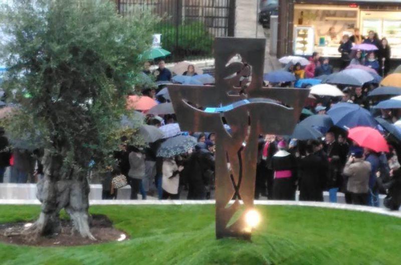 Monumento per papa Francesco